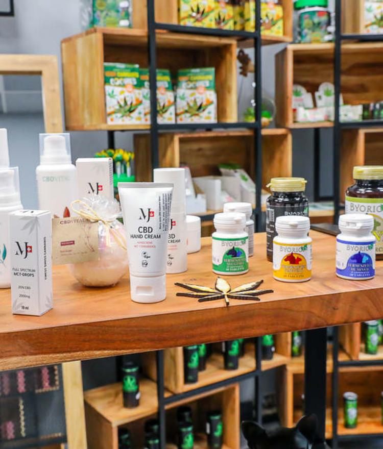 Nálunk csak bevizsgált, bizonyítottan ellenőrzött minőségű és 100% bio CBD aromaolajat találsz!